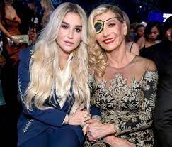 Kesha with her mother