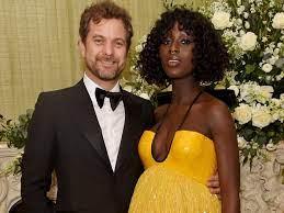 Joshua Jackson with his wife Jodie